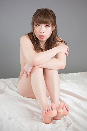 Tsubaki Katou poses naked, sucks on her toes, fingers herself, gets leg-fucked