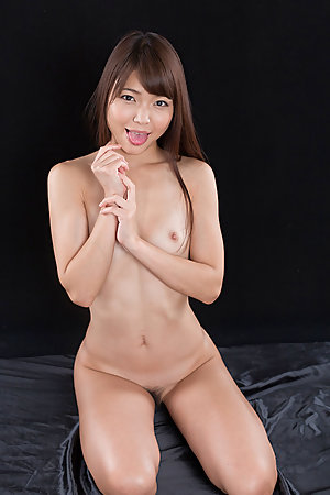 Shino Aoi Cummy Group Handjob