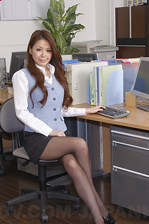 Sweet office darling China Mimura shows off