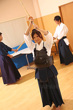 Super cute Kendo girl Jun Sena showing off